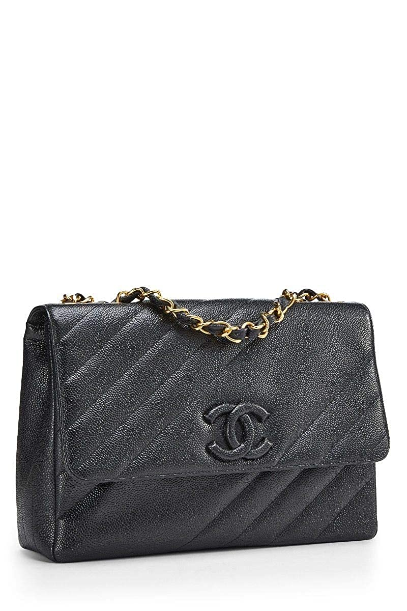 6c7457234f0b CHANEL Black Diagonal Quilted Caviar Classic Flap Jumbo (Pre-Owned)   Handbags  Amazon.com