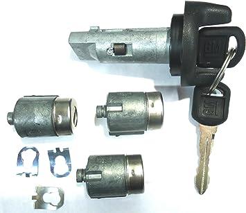 Amazon Com Chevy Gmc Oem 95 97 Ignition Key Switch Cylinder Door Lock Set W 2 Keys Automotive