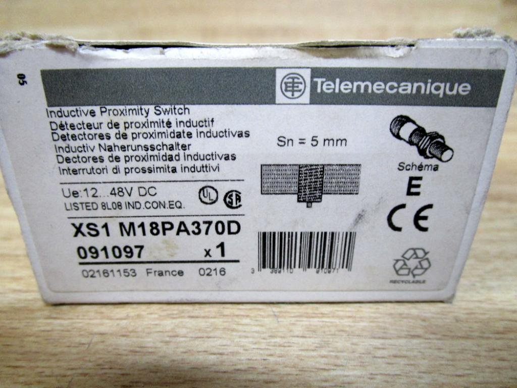 Telemecanique XS1-M18PA370D Proximity Switch 48VDC: Amazon.com: Industrial & Scientific