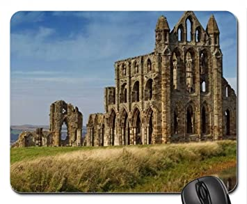 Cathedral ruins on a hill mouse pad tapis de souris mouse pad