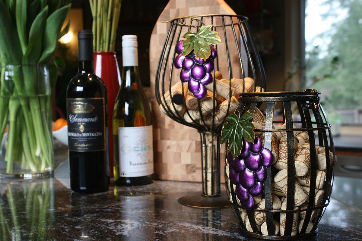 Decorative Wine Cage Cork Holder Shaped Like a Vintage Wine Barrel