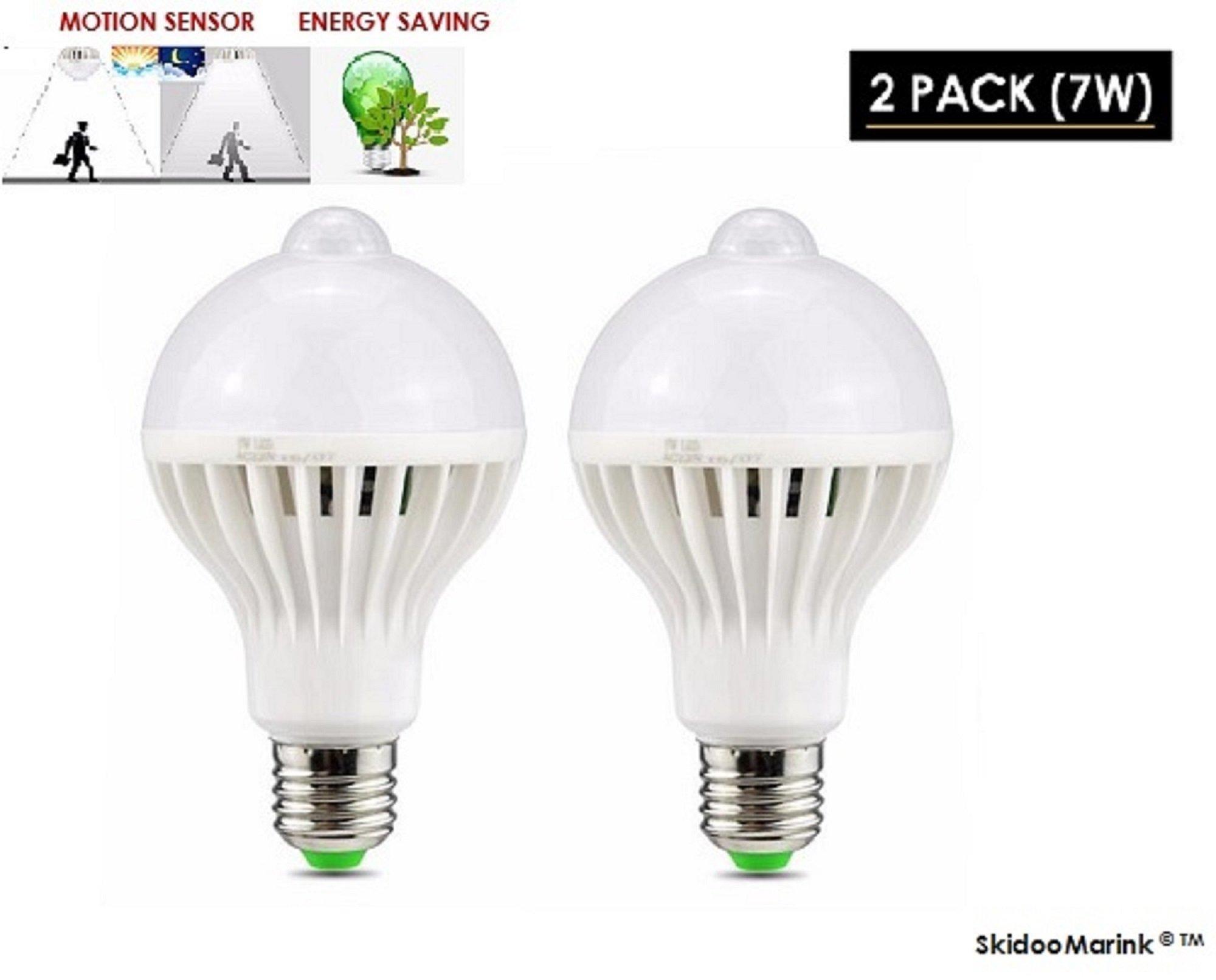 LED Motion Sensor Light Bulb - Dusk to Dawn PIR Built-In Motion Detector Light Sensing Outdoor Bulb E27 Indoor Outdoor LED Sensor Light Warm White Security Detection Lights 2 Pack 7W SkidooMarink