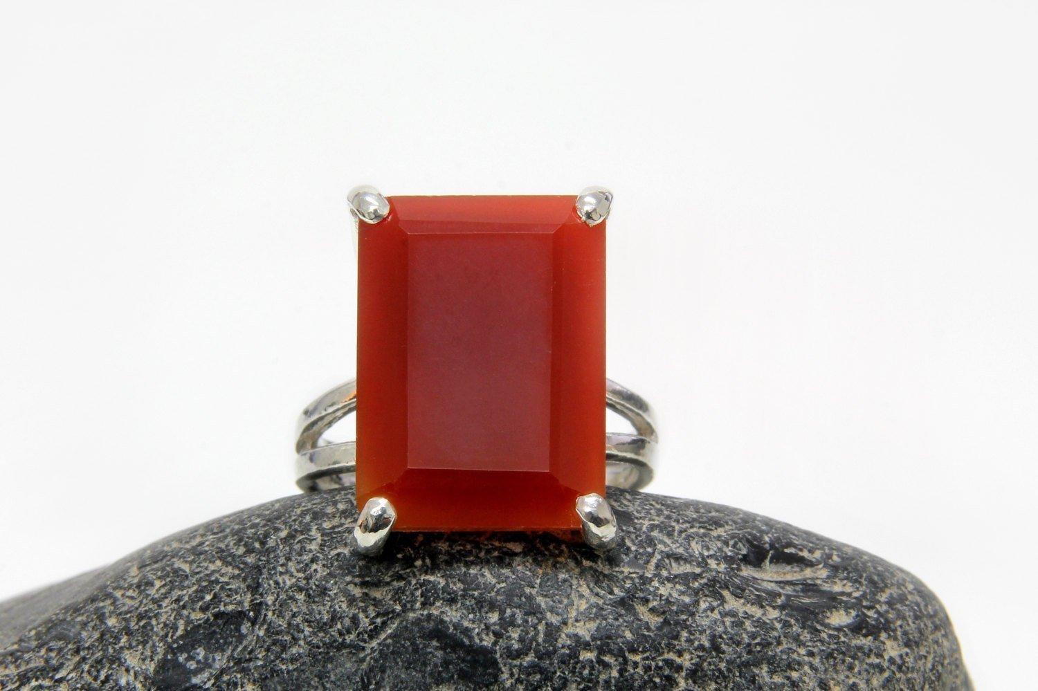 Red onyx ring,rectangle silver ring,sterling silver ring,red ring,vintage ring,cocktail ring,bridesmaid rings