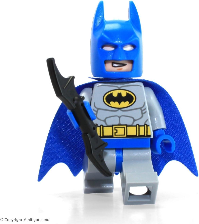 LEGO DC Comics Super Heroes Batman Classic Blue & Grey minifigure