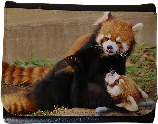 Panda roux mignon jouant dans la poche T-Shirt