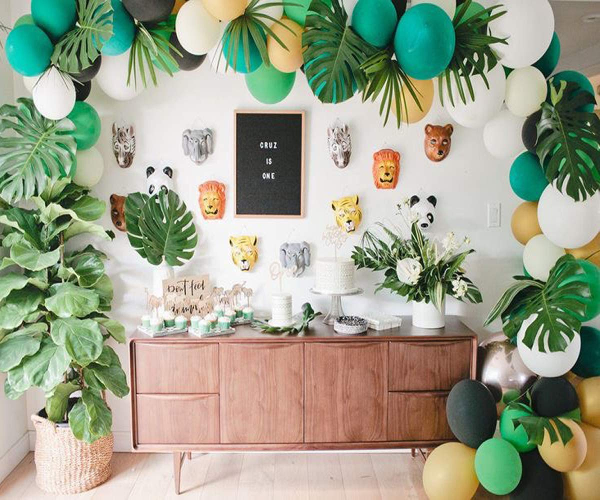 Jungle Safari Theme Party Decorations 8pcs latex balloons,Green Palm  Leaves, 8 feets Arch Balloon strip tape, Safri party Supplies and Favors  for