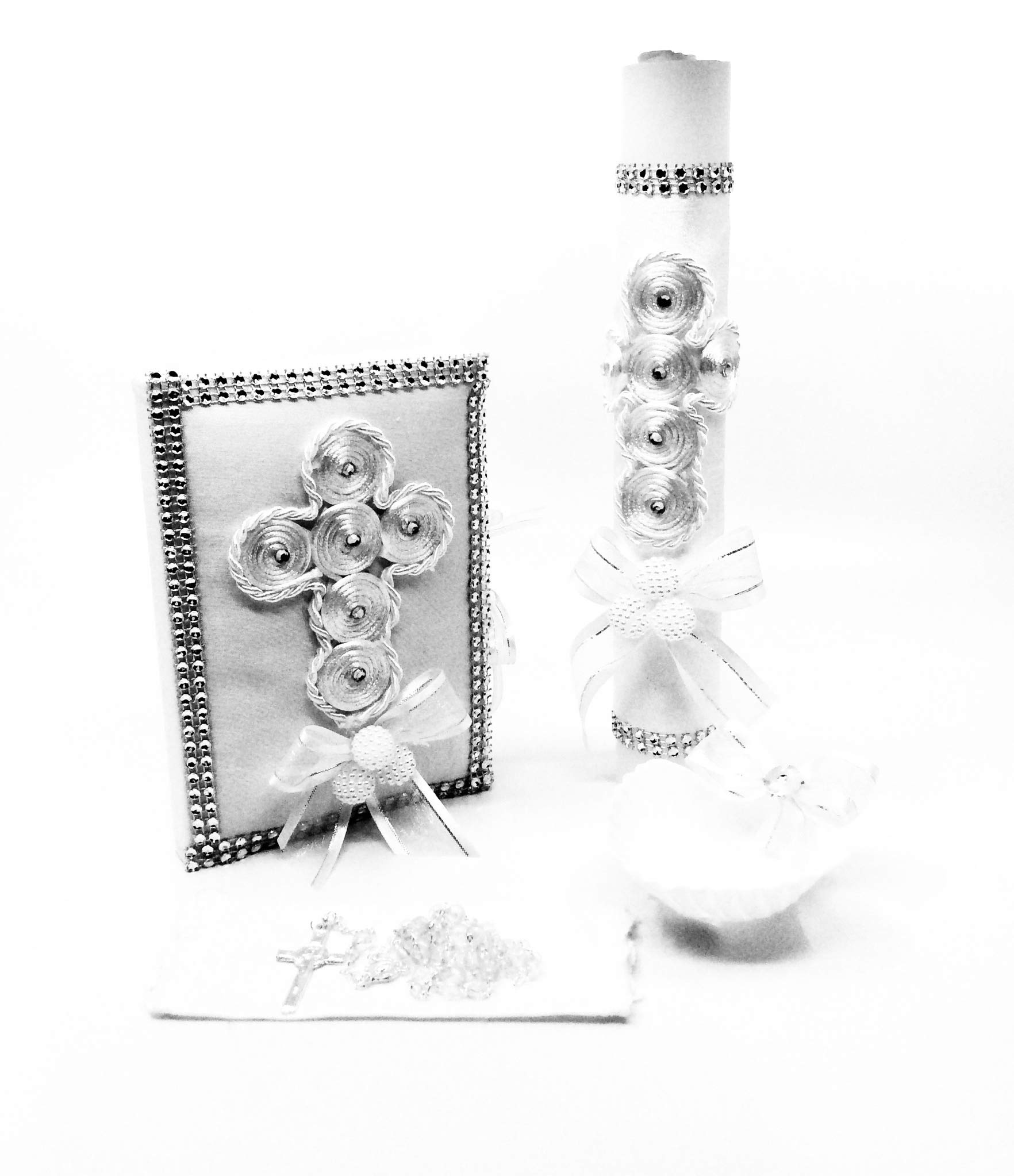 Baptism Candle Set with Pearls Details