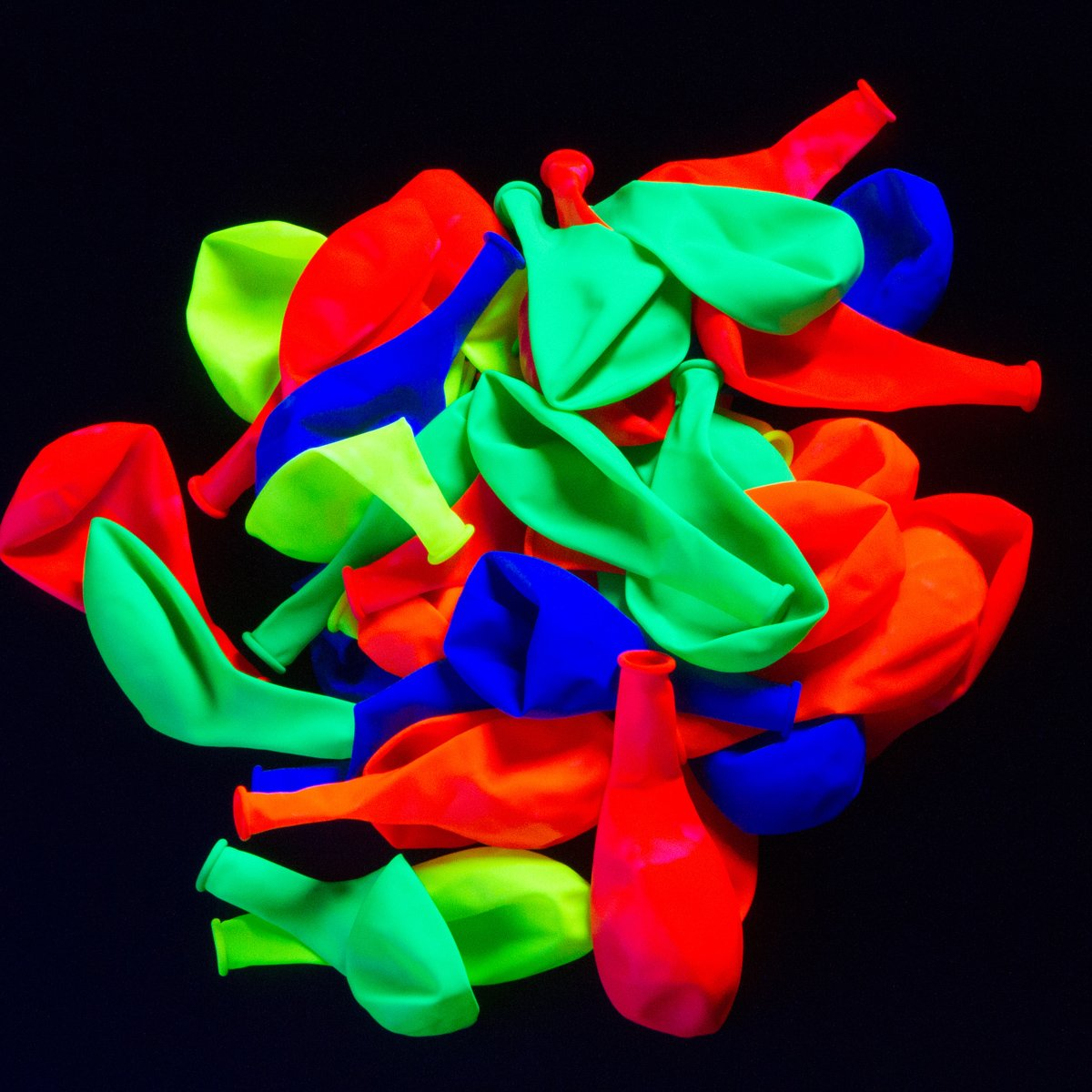 UV Blacklight Reactive Fluorescent / Neon Party Balloons - 50-Pack ...