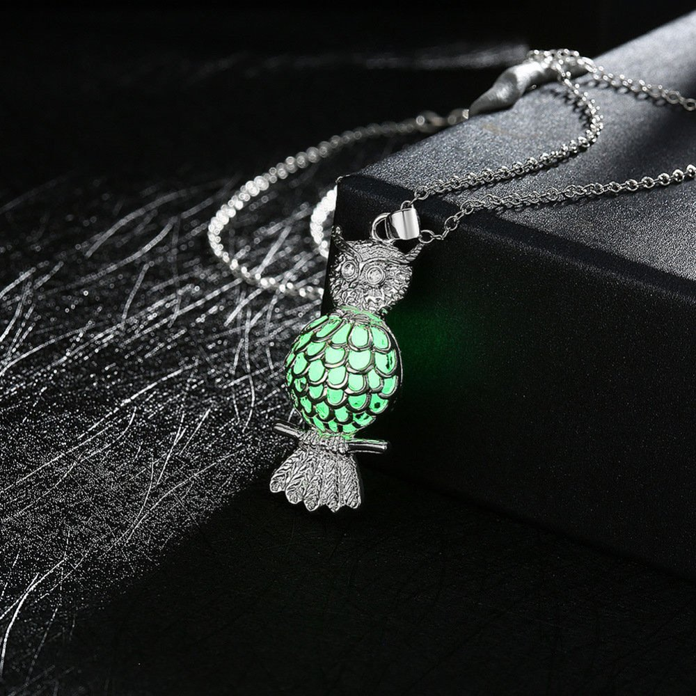 Women Elegant Fluorescent Necklace Fashion Silver Plated European and American Fashion Owl Night Light Stone Pendant (Color : Green)