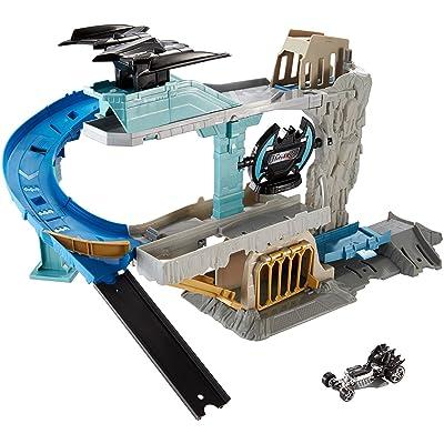Hot Wheels DC Batcave Playset: Toys & Games