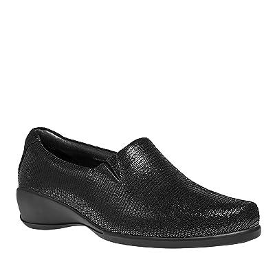 Aravon Women's Tia Slip-On | Flats