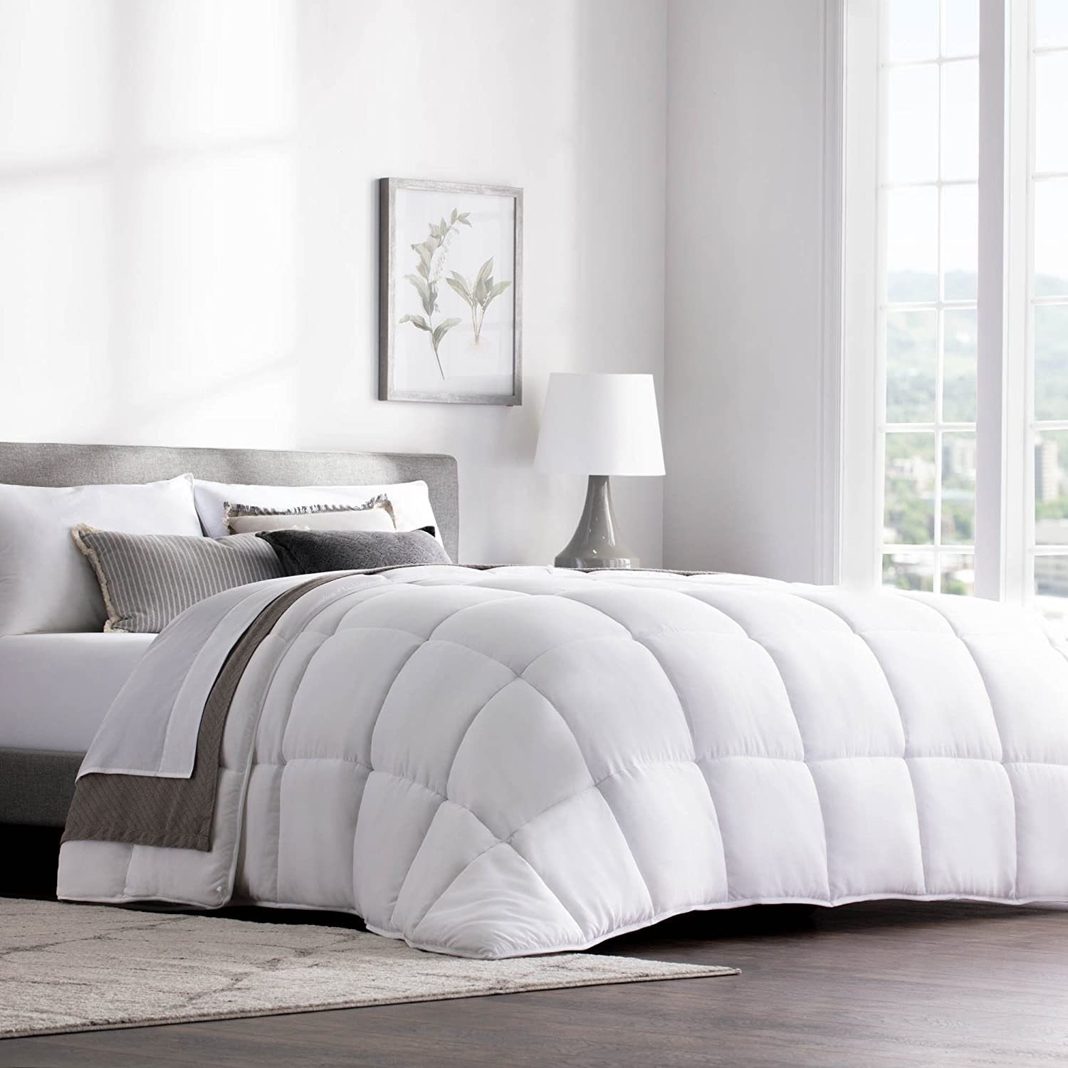WEEKENDER Hypoallergenic Quilted Down Alternative Hotel-Style Use Insert or Stand-Alone Comforter-for All Seasons-Corner Duvet Tabs, Queen Classic White