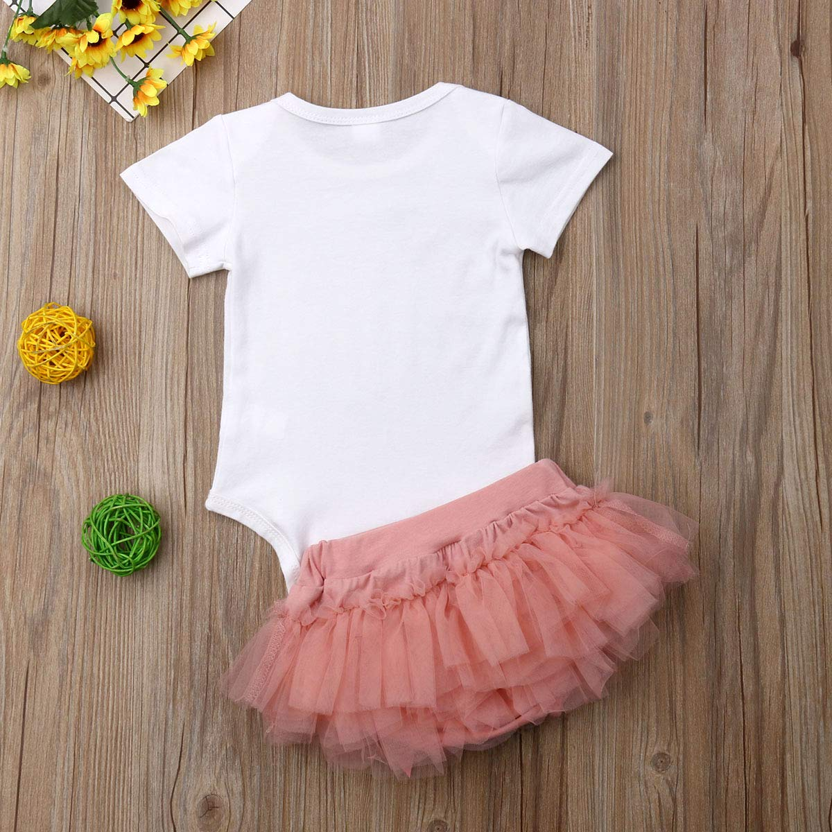 b6619e7f230 Amazon.com  Newborn Baby Girls Short Sleeve Romper Bodysuit Tops Bowknot Tulle  Tutu Skirts Headband 3pcs Summer Outfit 0-18M  Clothing