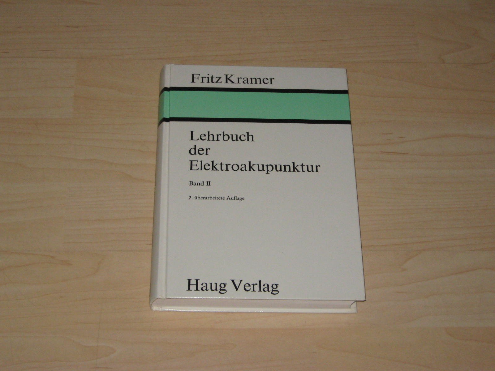 Elektrische Messungen über die Akupunkturpunkte der Haut zur Diagnostik und Medikamentprüfung (Lehrbuch der Elektroakupunktur, Band 2) Gebundenes Buch – 1986 Fritz Kramer Haug 3776008164 Gesundheit