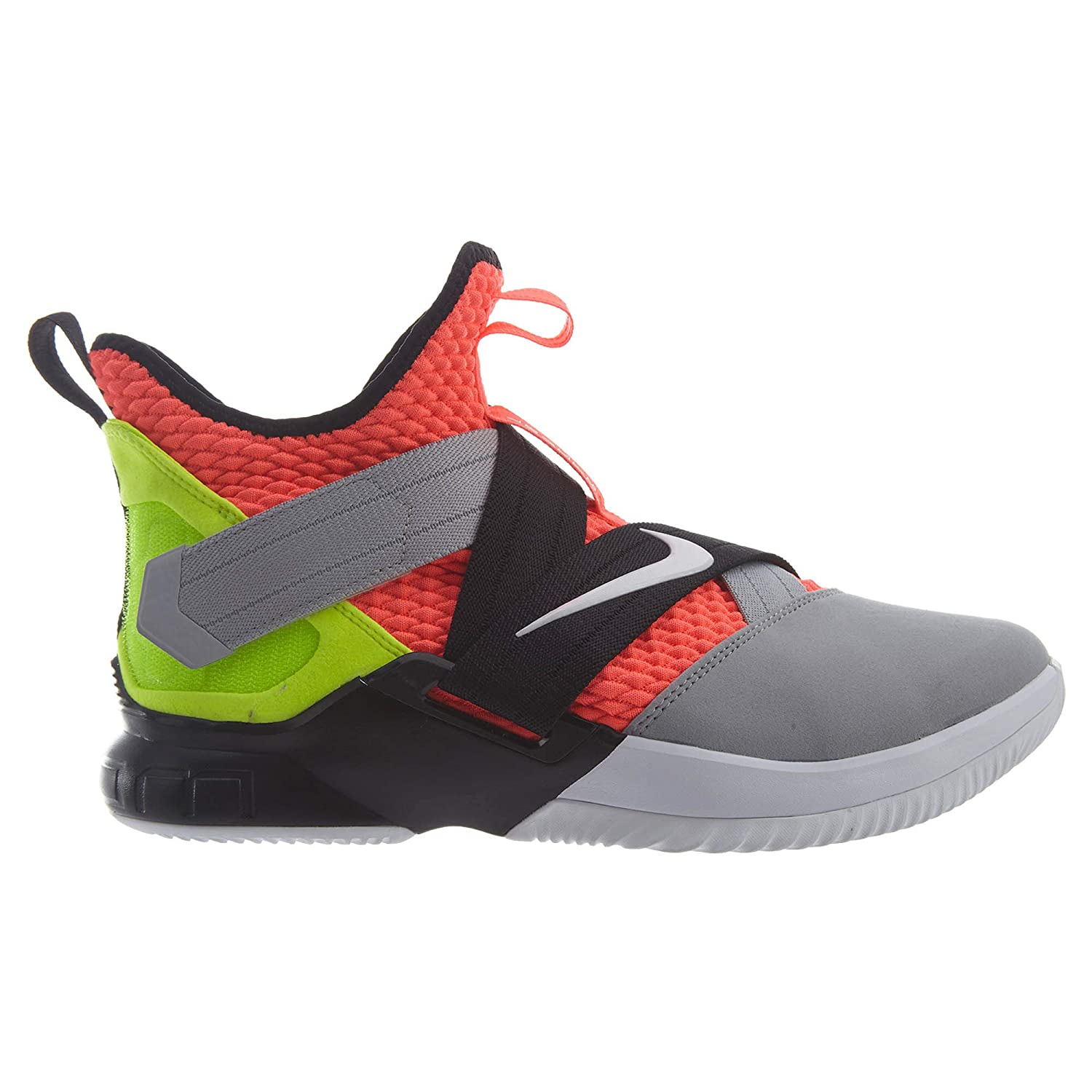 0706419a3ad Nike Men s Lebron Soldier 10 Basketball Shoes  Nike  Amazon.ca  Shoes    Handbags