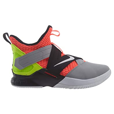 9c1b4b625e24 Nike Men s Lebron Soldier 10 SFG Basketball Shoes  Amazon.co.uk ...