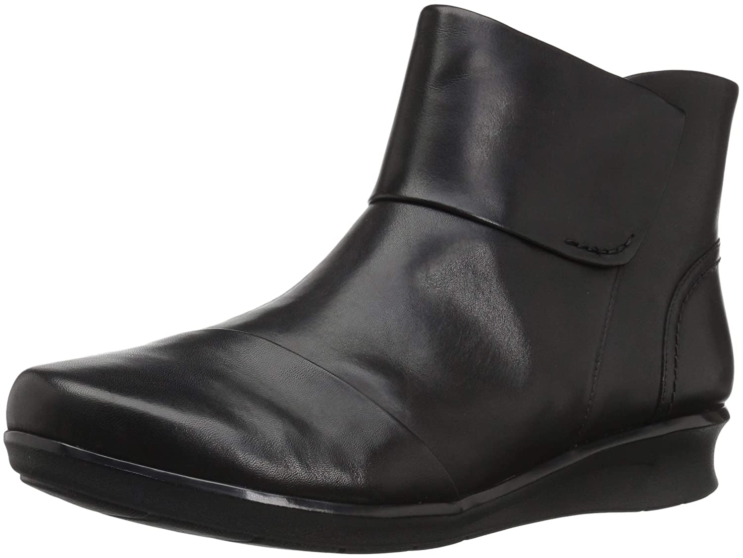 Black Leat Clarks Women's Hope Track Fashion Boot