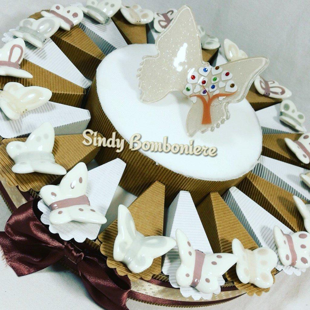 Kuchen Junge Mädchen Taufe Geburt mit Schmetterling aus Keramik und zentrale Schmetterling aus Glas Gai Mattiolo Torta Da 35 Fette