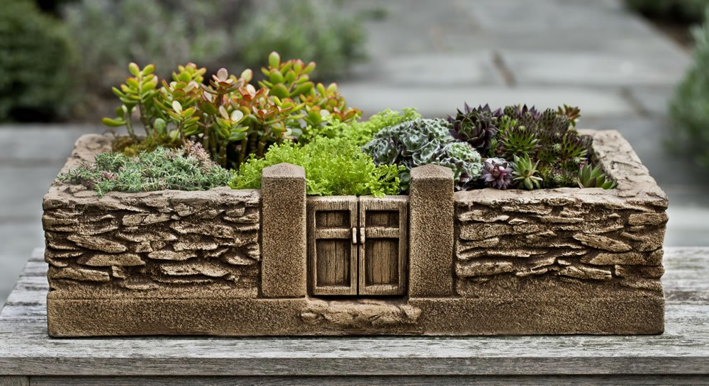 Rectangular Rail Planter Finish: Brownstone