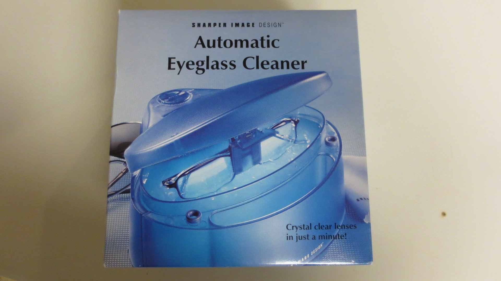 Sharper Image Automatic Eyeglass Cleaner SI632 - No Soultion Included  by Sharper Image (Image #2)