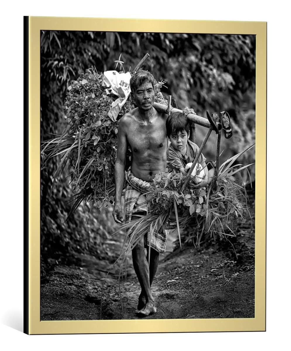 kunst für alle Bild mit Bilder-Rahmen: Adhi Prayoga Menemani Ayah - dekorativer Kunstdruck, hochwertig gerahmt, 60x65 cm, Gold gebürstet
