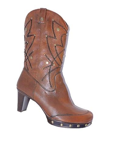b9656a79d288b Amazon.com | Stuart Weitzman Women's Gunslinger Antique Hickory ...