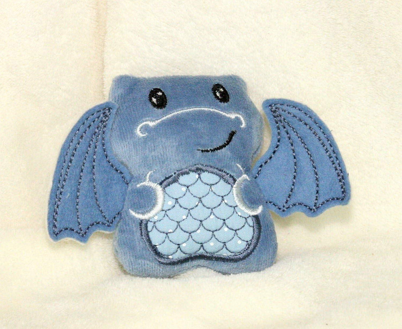 Kuscheltier Drache blau personalisierbar mit Initialen, Rassel, Quietscher Bio Nicki Baumwolle Geschenk zur Geburt
