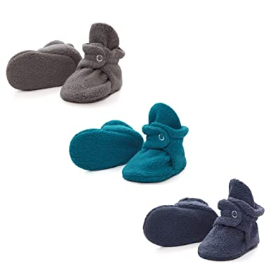 abd84fd3a95a Amazon.com  Zutano Stay On Baby Booties Gift Set - Baby Shower Gift ...