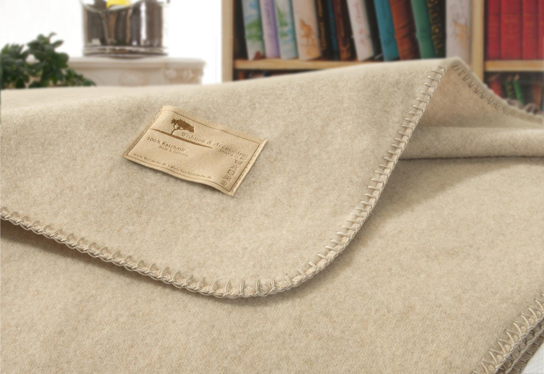 Kaschmirdecke Amalfi Creme-beige, umkettelte Wolldecke in 150x200cm aus 100% Kaschmir