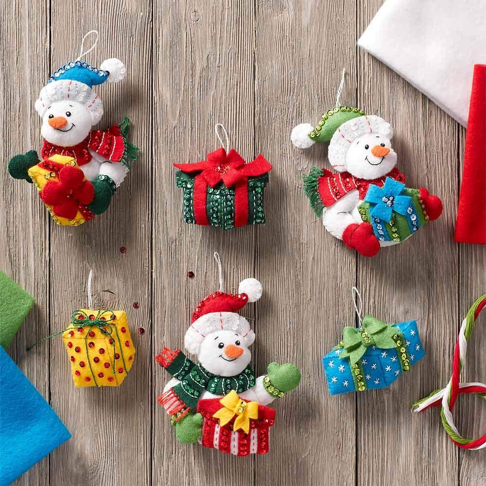 Bucilla 86870 Felt Ornaments Applique Kit Snowman with Presents