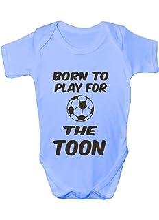 MADE IN ENGLAND BORN TO PLAY FOOTBALL FUNNY BABYGROW BABYWEAR BOYS GIRLS