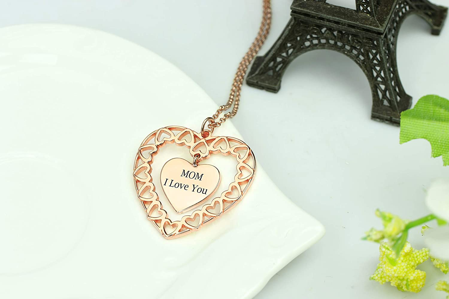 Getname Necklace Engraved Heart Love Necklace for Mom Heart Pendent Personalized Love Circle Necklace Best