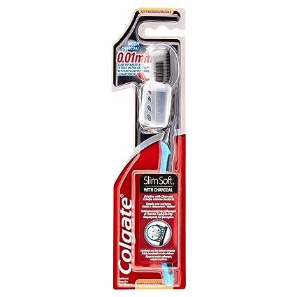 Cepillo de dientes suave y fino Colgate Slim, con cerdas en gris