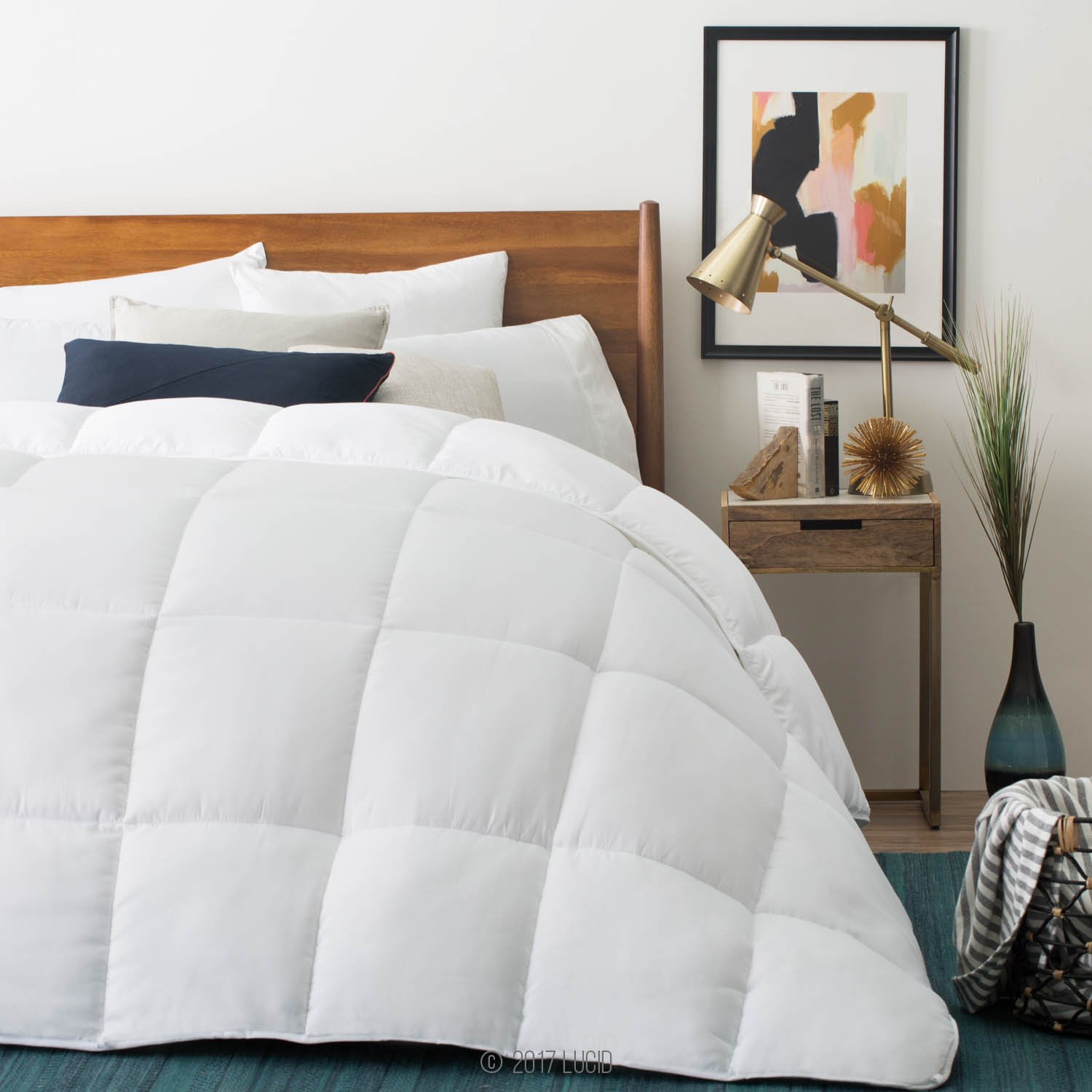 400 GSM White Ultra Soft and Cozy Lucid Down Alternative Comforter Full 8 Duvet Loops Hypoallergenic Machine Washable All Season 3 Year Warranty Box Stitched