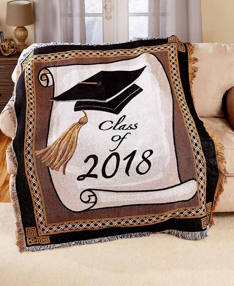 2018 Graduation Throw