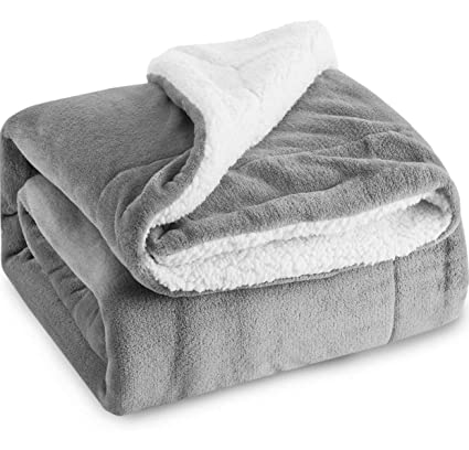 6aa529e8b6 Image Unavailable. Image not available for. Color  Bedsure Sherpa Throw ...