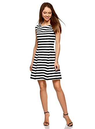 8e8abd553eb2 oodji Ultra Damen Kleid im Marine-Look  Amazon.de  Bekleidung