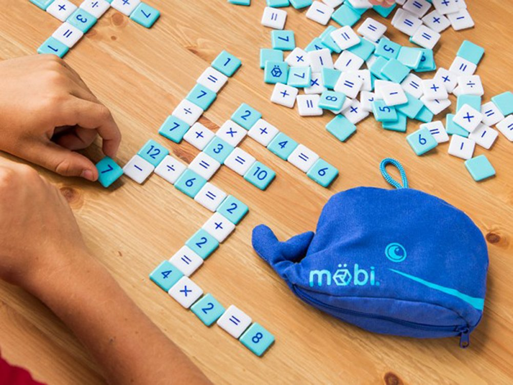 Möbi The Numerical Tile Game in a Whale Pouch: Amazon.co.uk: Toys ...