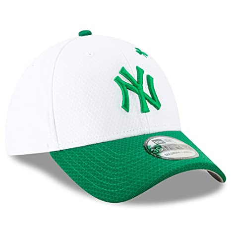088756a76d48c New Era Men s New York Yankees White Kelly Green 2019 St. Patrick s Day  39THIRTY