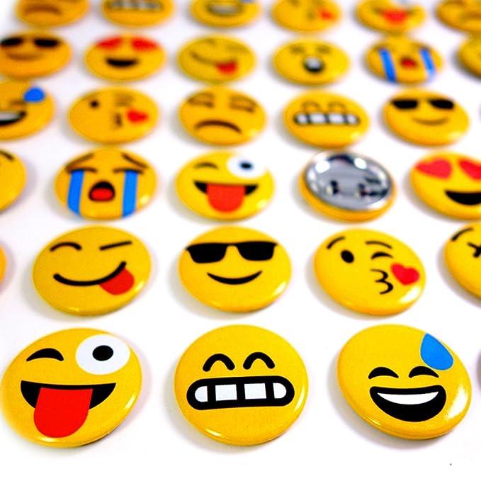 German Trendseller® 24x Compre Emoji para enchufar┃Emoticonos Partido┃Cumpleaños Niños┃Regalito┃Insignia de Emoji┃24 Piezas