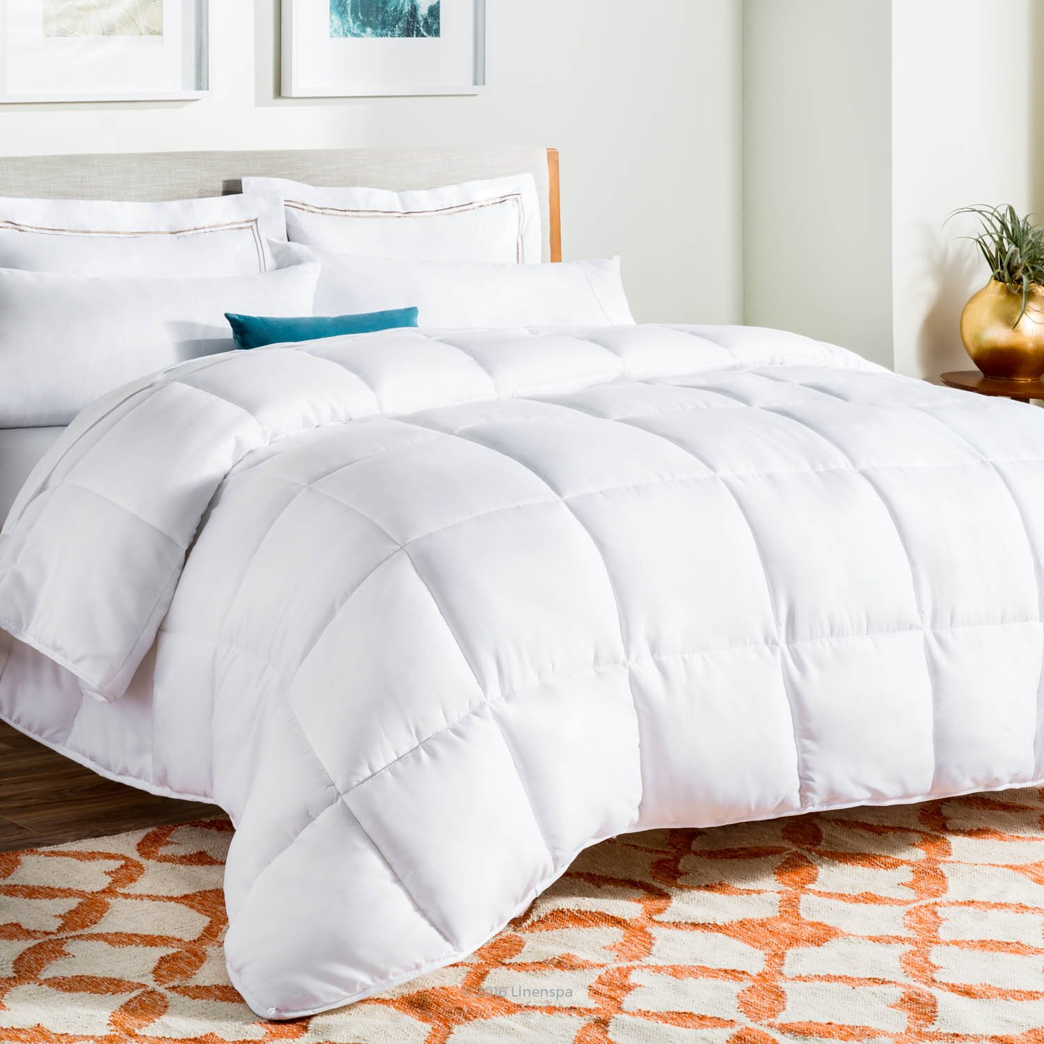 LINENSPA All-Season White Down Alternative Quilted Comforter - Corner Duvet Tabs - Hypoallergenic - Plush Microfiber Fill - Machine Washable - Duvet Insert or Stand-Alone Comforter - Queen by Linenspa