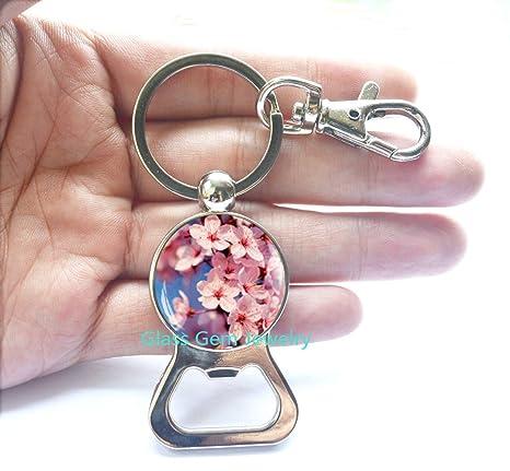 Amazon.com: Sakura Blossom abridor de botellas llavero ...