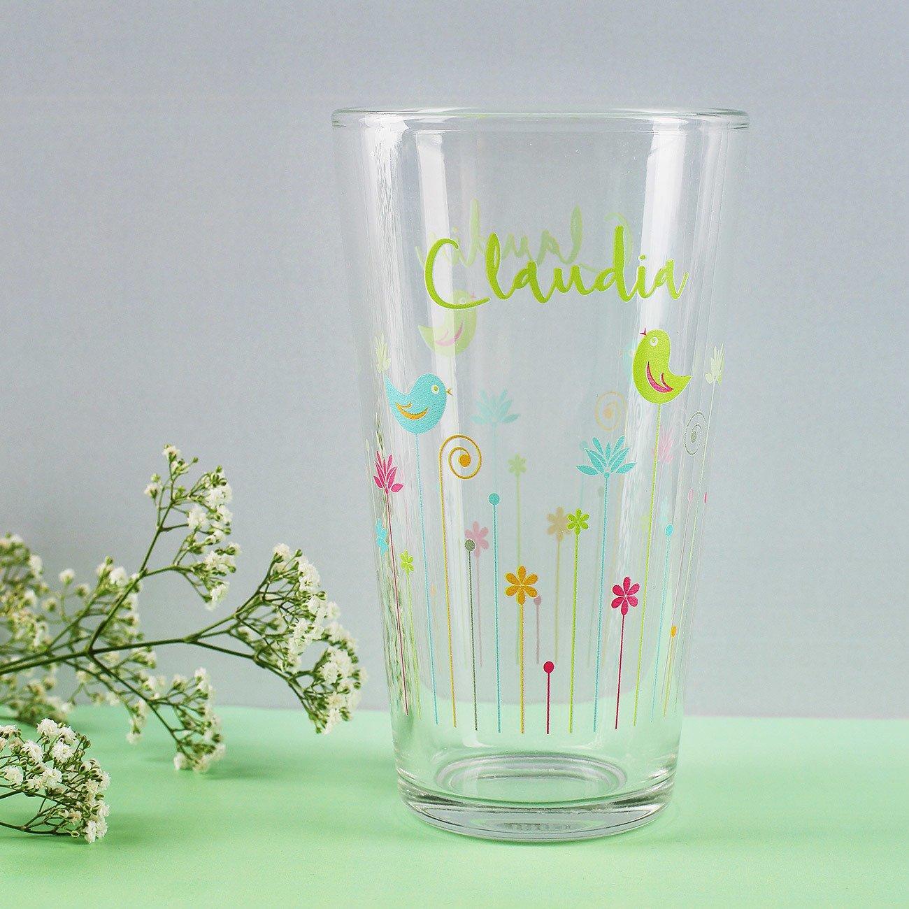 Herz /& Heim/® Trinkglas mit Fr/ühlingsblumen und Ihrem Wunschnamen