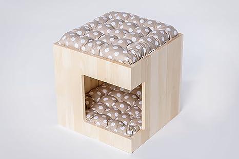Beautiful de madera casita de perro. funcional, acogedor y seguro. Producido en la