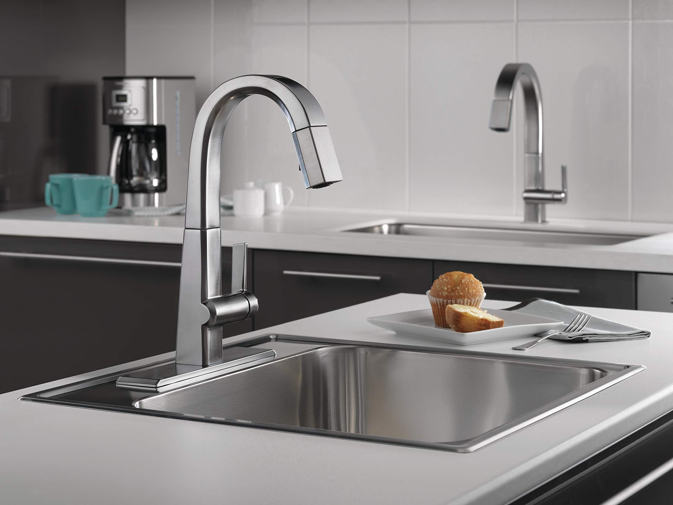 Delta Faucet Pivotal Single-Handle Bar-Prep Kitchen Sink Faucet with Pull Down Sprayer and Magnetic Docking Spray Head, Arctic Stainless 9993-AR-DST by DELTA FAUCET (Image #7)
