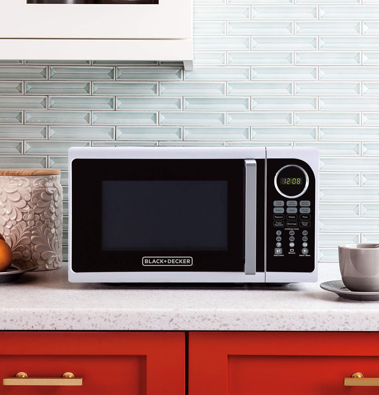 Black+Decker EM925ACP-P1 0.9 Cu. Ft. Digital Microwave, White by BLACK+DECKER (Image #8)