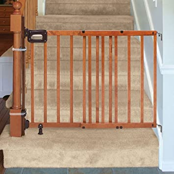 Summer Infant Deluxe Stairway Simple To Secure Wood Gate With Banister  Installation Kit