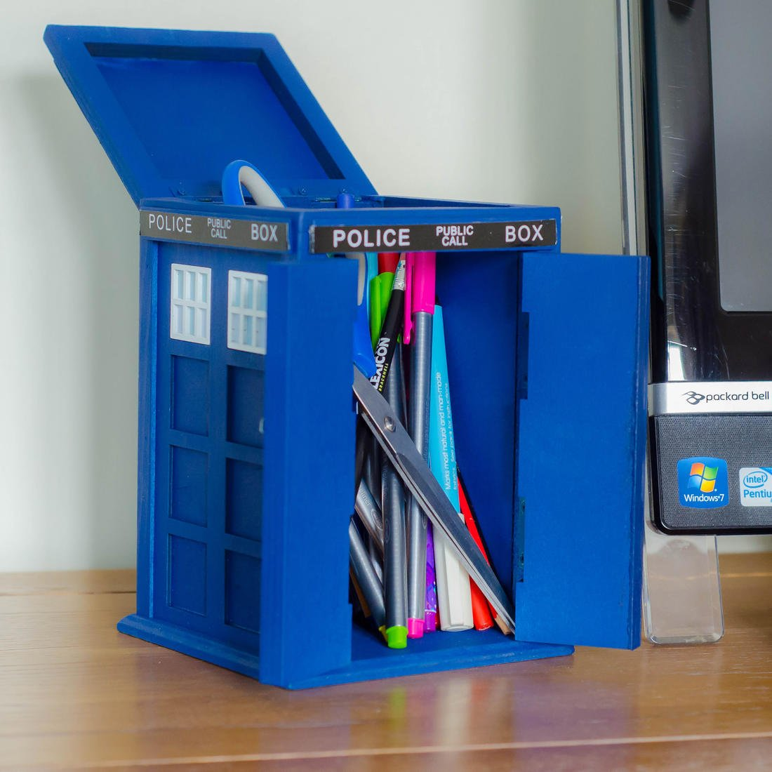 Lapicero de Dr Who, diseño de la TARDIS de Doctor Who.