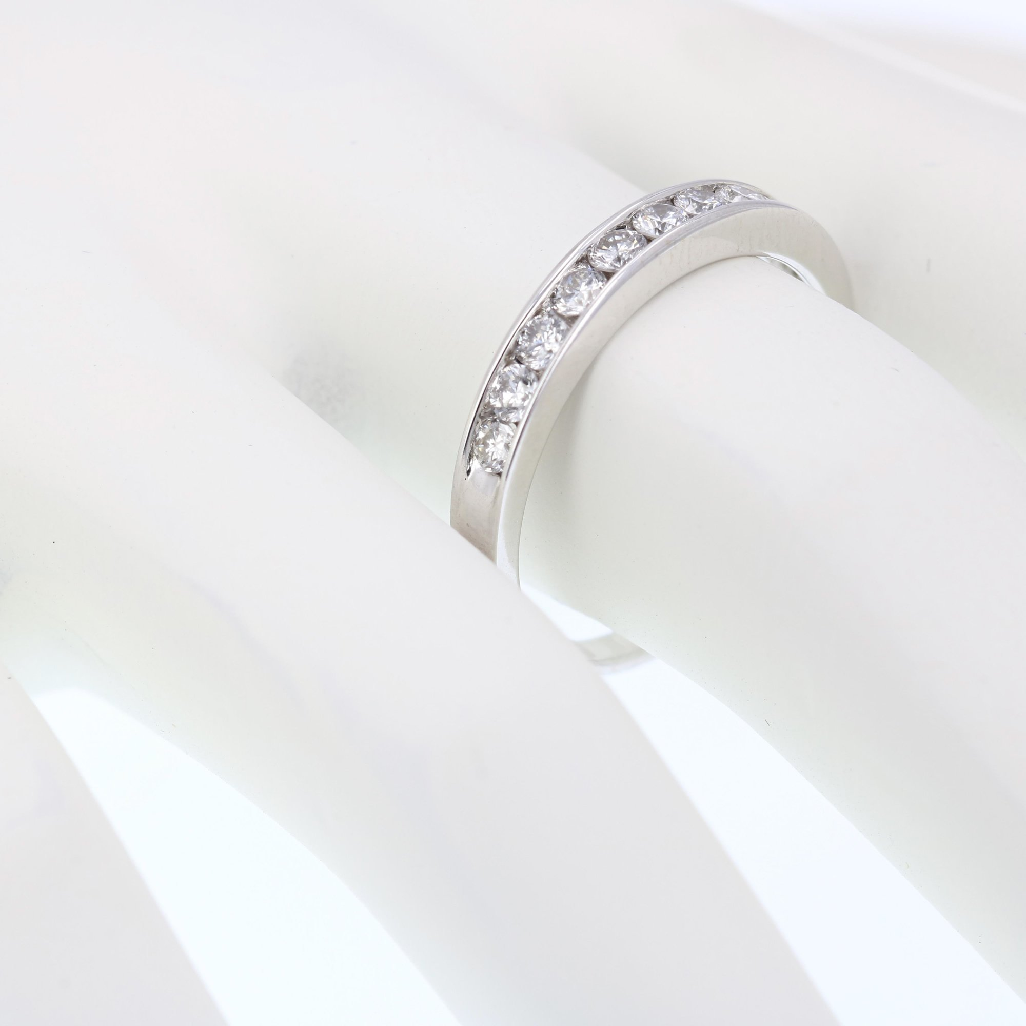 1/2 CT Classic Diamond Wedding Band in 14K White Gold In Size 6.5