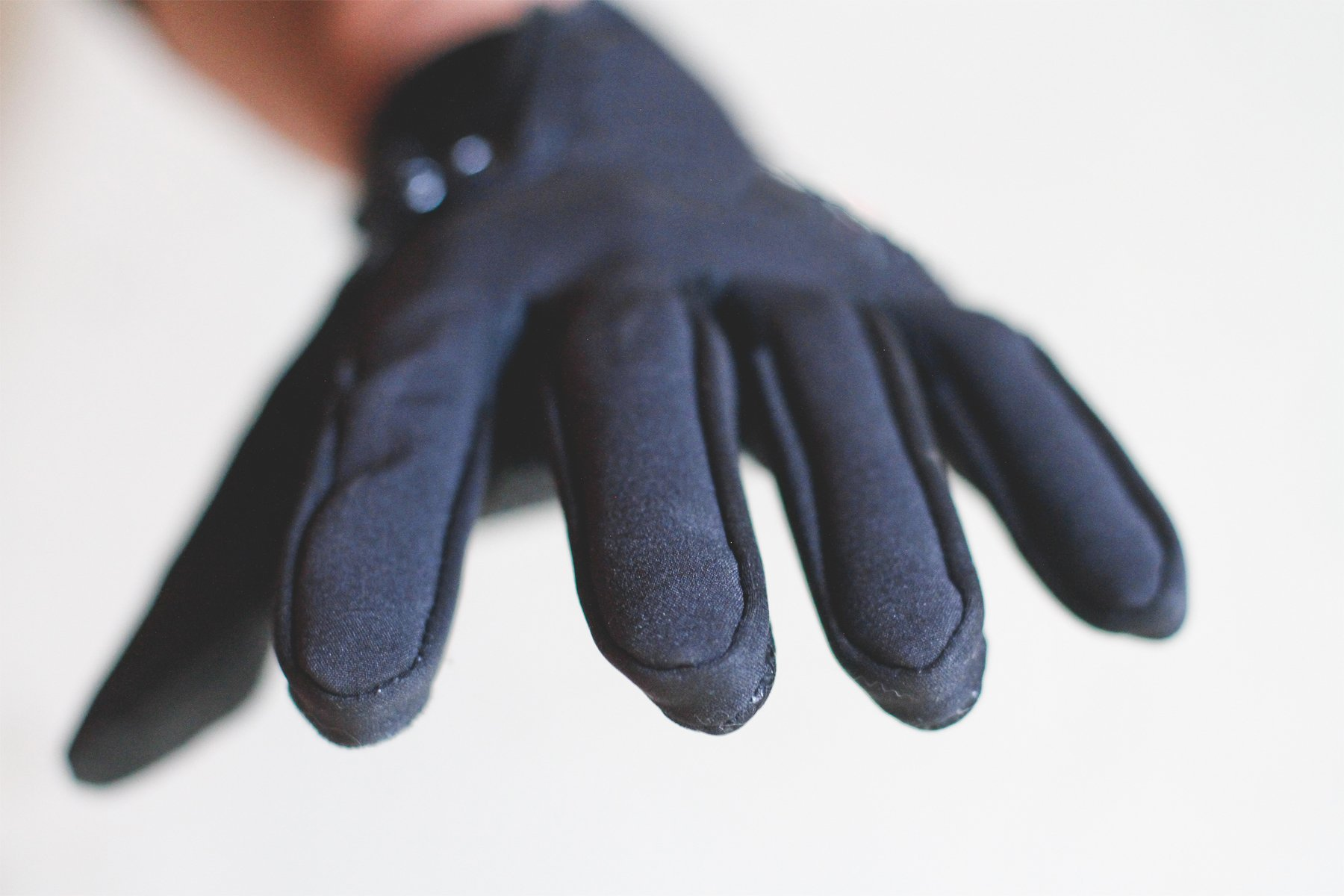 Mountain Made Cold Weather Gloves for Men and Women 2.0 with NEW UPGRADED ZIPPPERS,black,large by Mountain Made (Image #3)